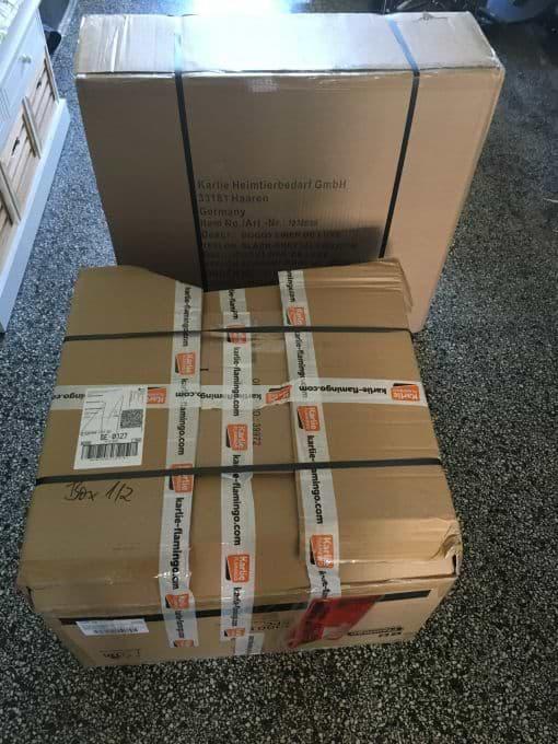 Lieferung von 2 Paketen