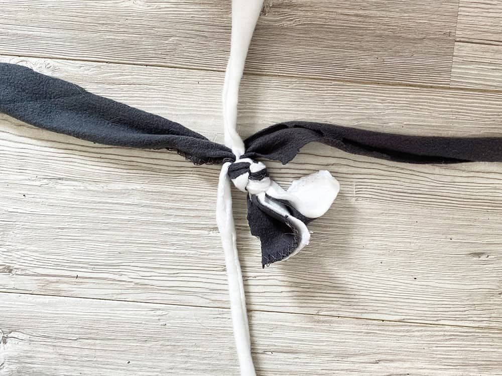 DIY-Zerrspielzeug für Hunde